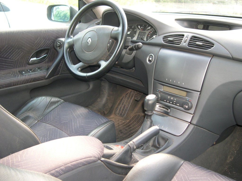 vo renault laguna ii estate 1 9 dci 120 dynamique. Black Bedroom Furniture Sets. Home Design Ideas